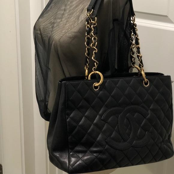 e59cb4bdc5db CHANEL Handbags - 💋 Chanel GST Tote Purse Caviar Leather Gold Chain